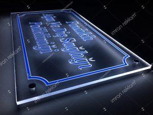pleksi gravur-tabela