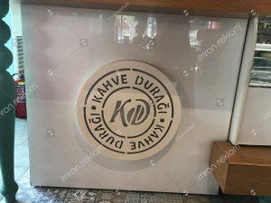 Ahşap logo tabelası