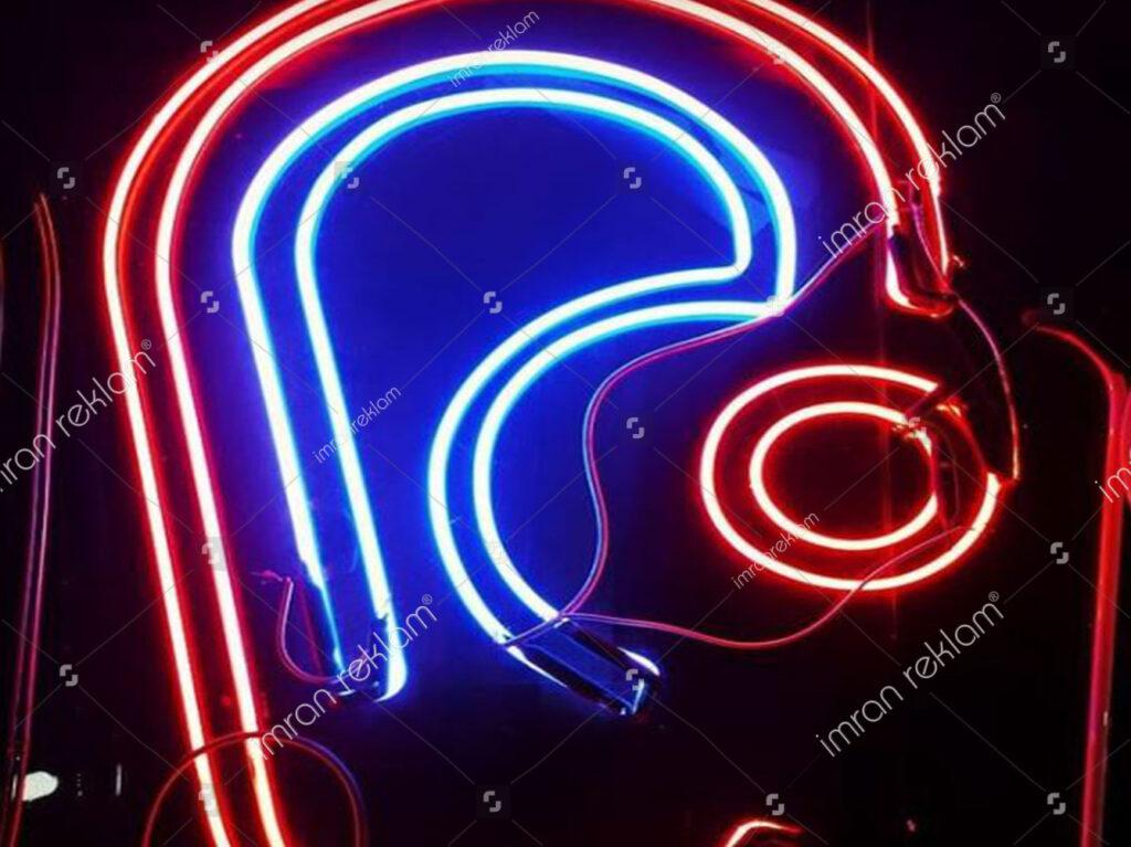 Kırmızı Mavi Neon Tabelaları