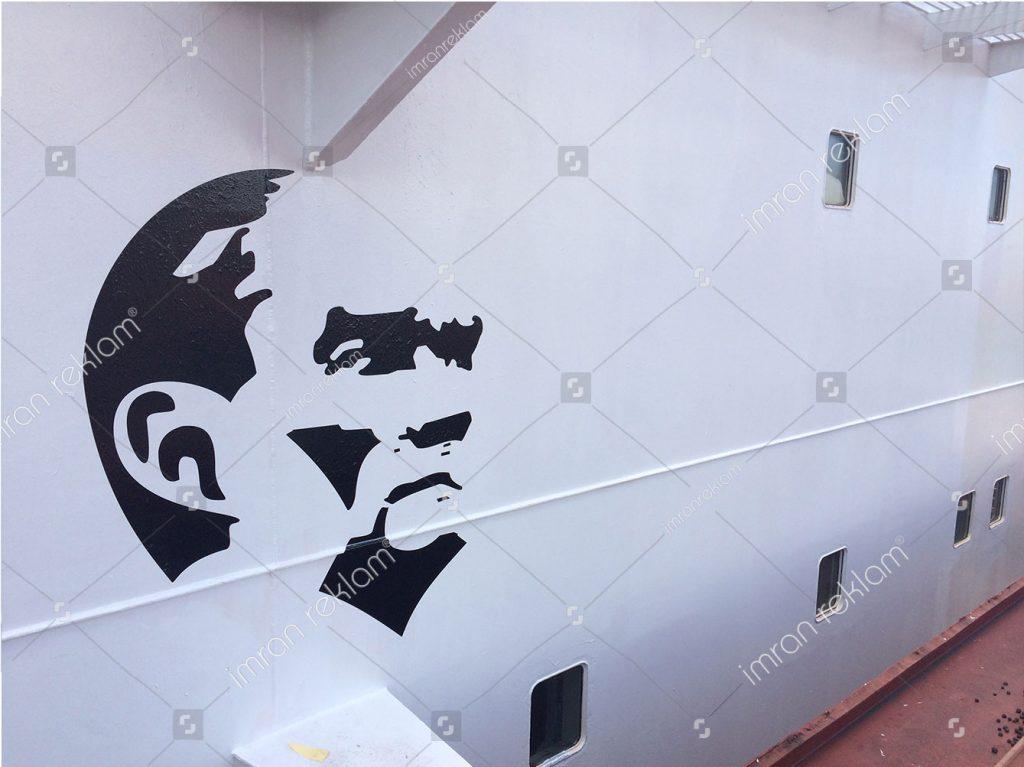 Gemi üzeri Atatürk şekli folyo kaplama