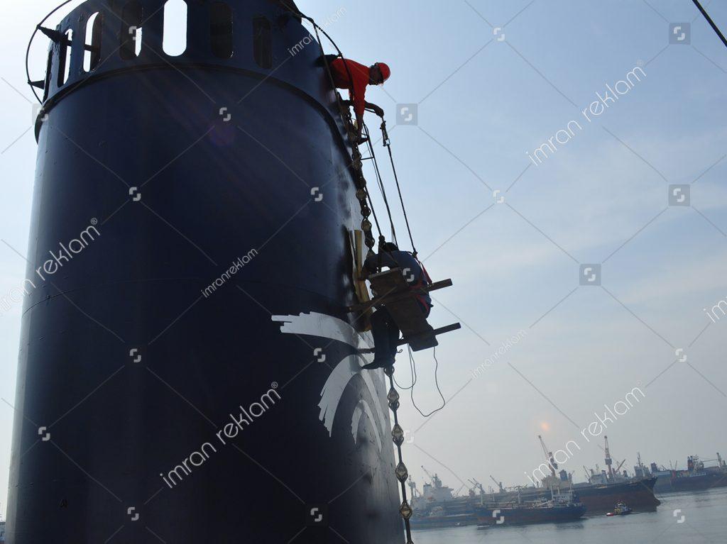Gemi Bacası Logo Giydirme
