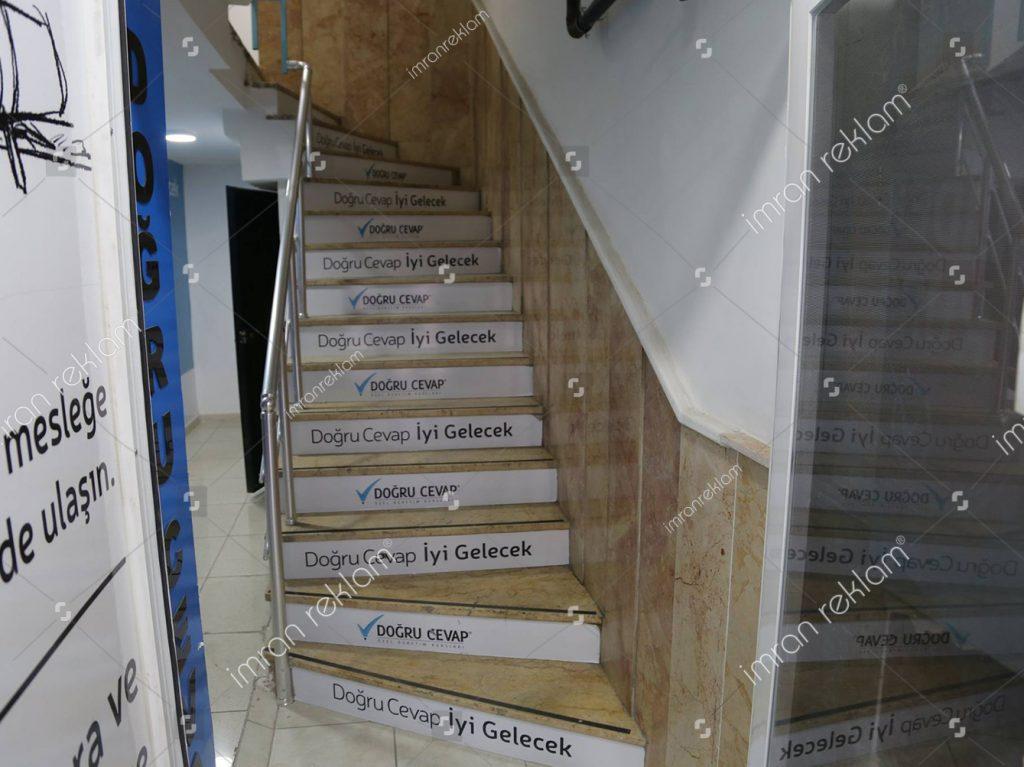 Üsküdar Doğru Cevap Merdiven Reklam kaplama
