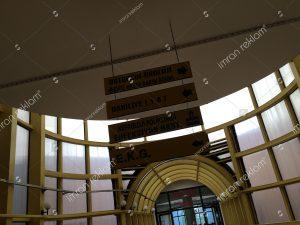 tavandan asmali-kat-yonlendirme tabelası