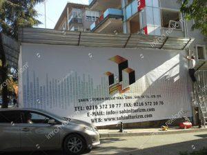 insaat-alani-sac-uzeri-baski-reklam