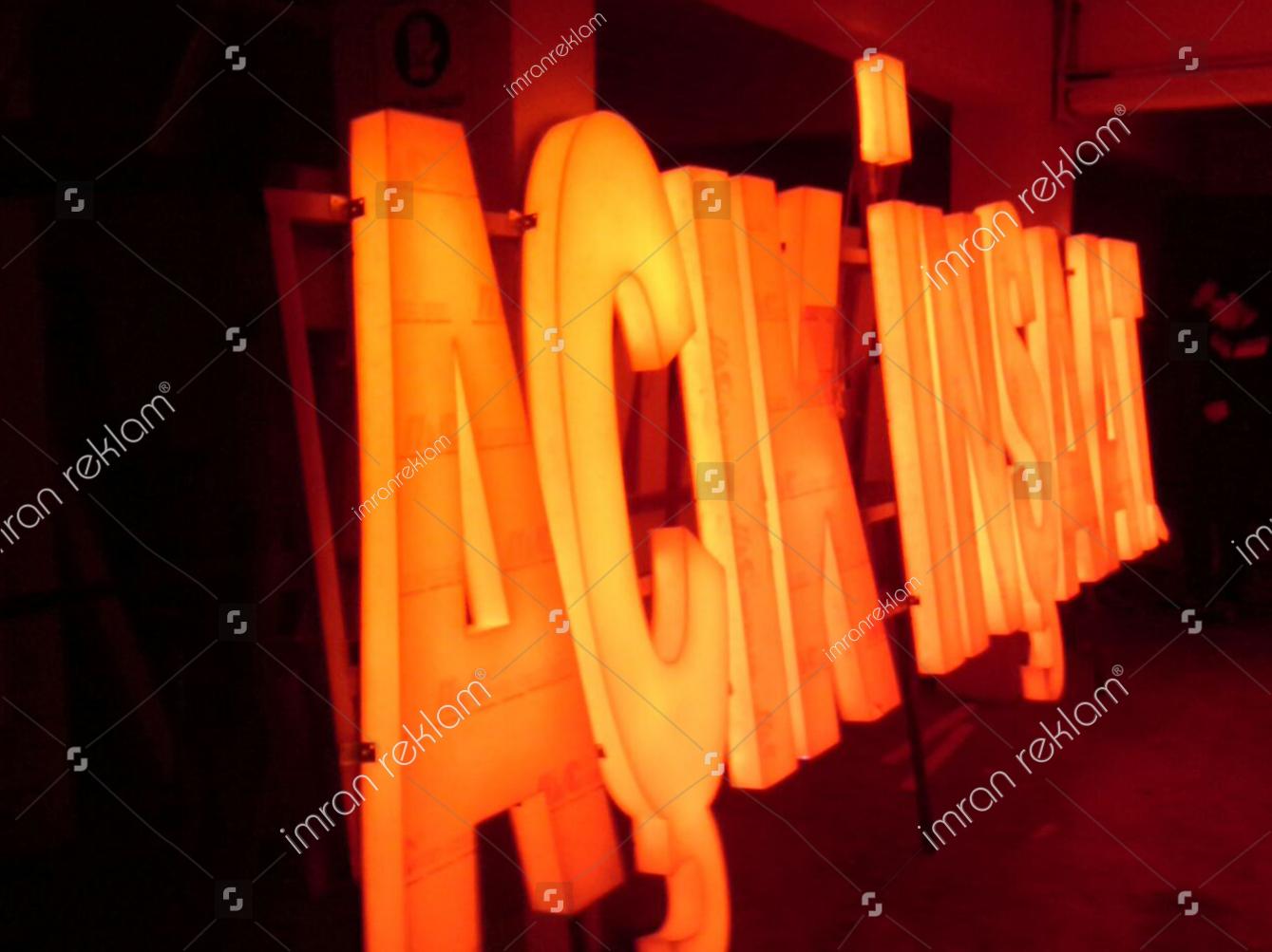 ışıklı kutu harfli inşaat tabelasi örnekleri