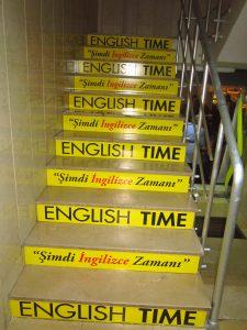 merdiven-reklam-giydirme