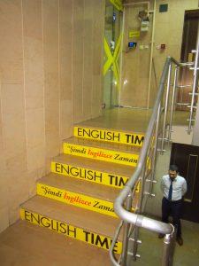 merdiven-reklam-kaplama
