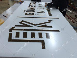Pleksi harfli inşaat tabelası