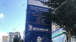 Michelin ışıksız totem tabela