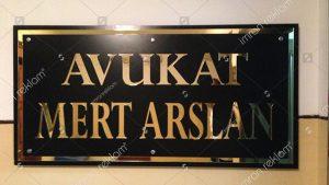 Gold harfli apartman tabelası