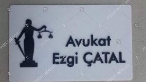 Pleksi zeminli pleksi harfli avukat tabelası