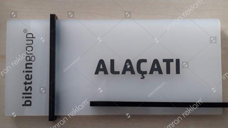 Alaçatı kapı tabelası