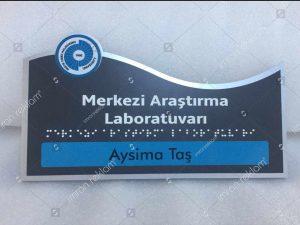 Laboratuvar-Kapı-İsimliği