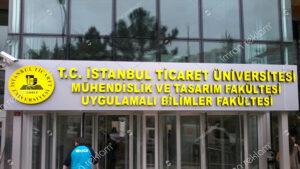İstanbul Ticaret Üniversitesi Tabelası