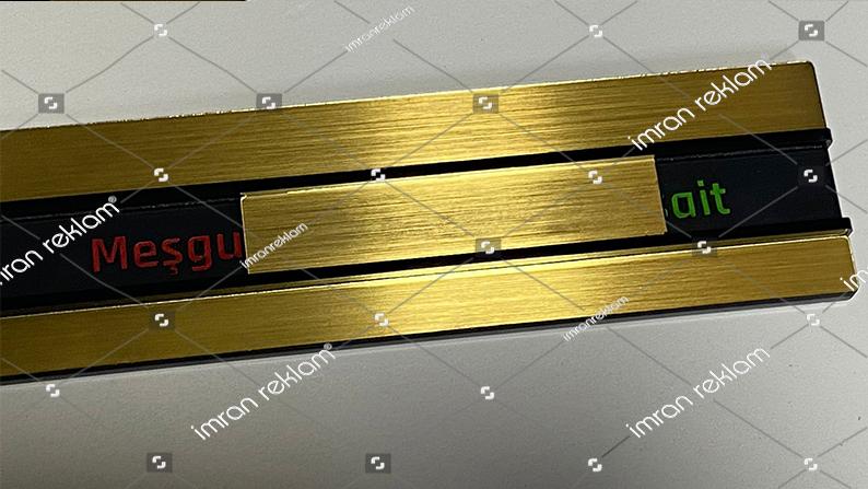 Gold-renk-meşgul-müsait-kapı-tabelası-kucuk-3