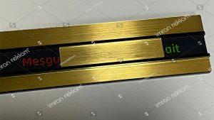 Gold renk meşgul müsait kapı tabelası